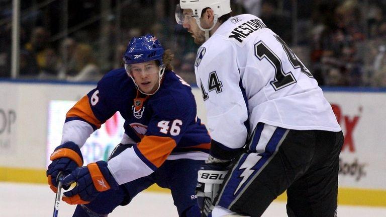 The Islanders' Matt Martin, left, was an emergency