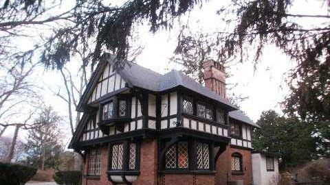 Idle House gatehouse