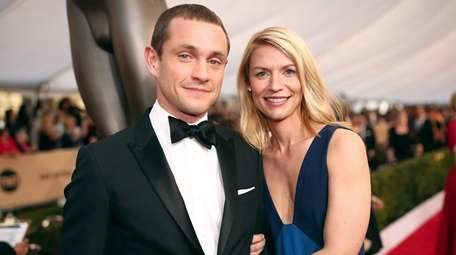 Actors Claire Danes and husband Hugh Dancy attend