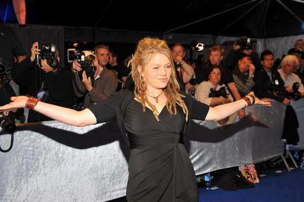 AMERICAN IDOL: Crystal Bowersox arrives on the red