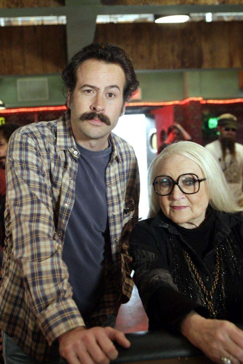 Jason Lee as Earl and Betty White as