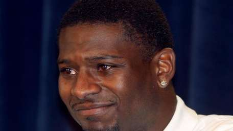 LaDainian Tomlinson said he chose to sign with