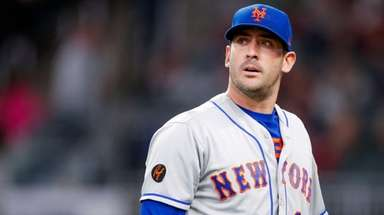 Matt Harvey struggled again, allowing six runs in