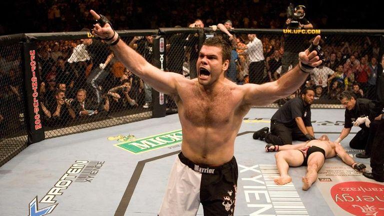 Gabriel Gonzaga celebrates his victory over Mirko Cro