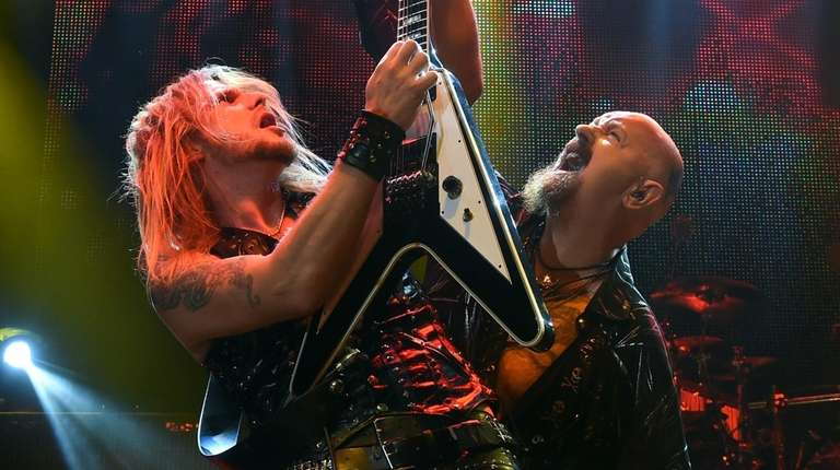 Guitarist Richie Faulkner (L) and singer Rob Halford