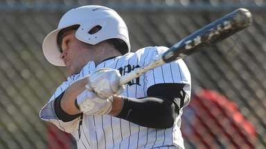 Jake Castellano #7 of Wantagh plates a run