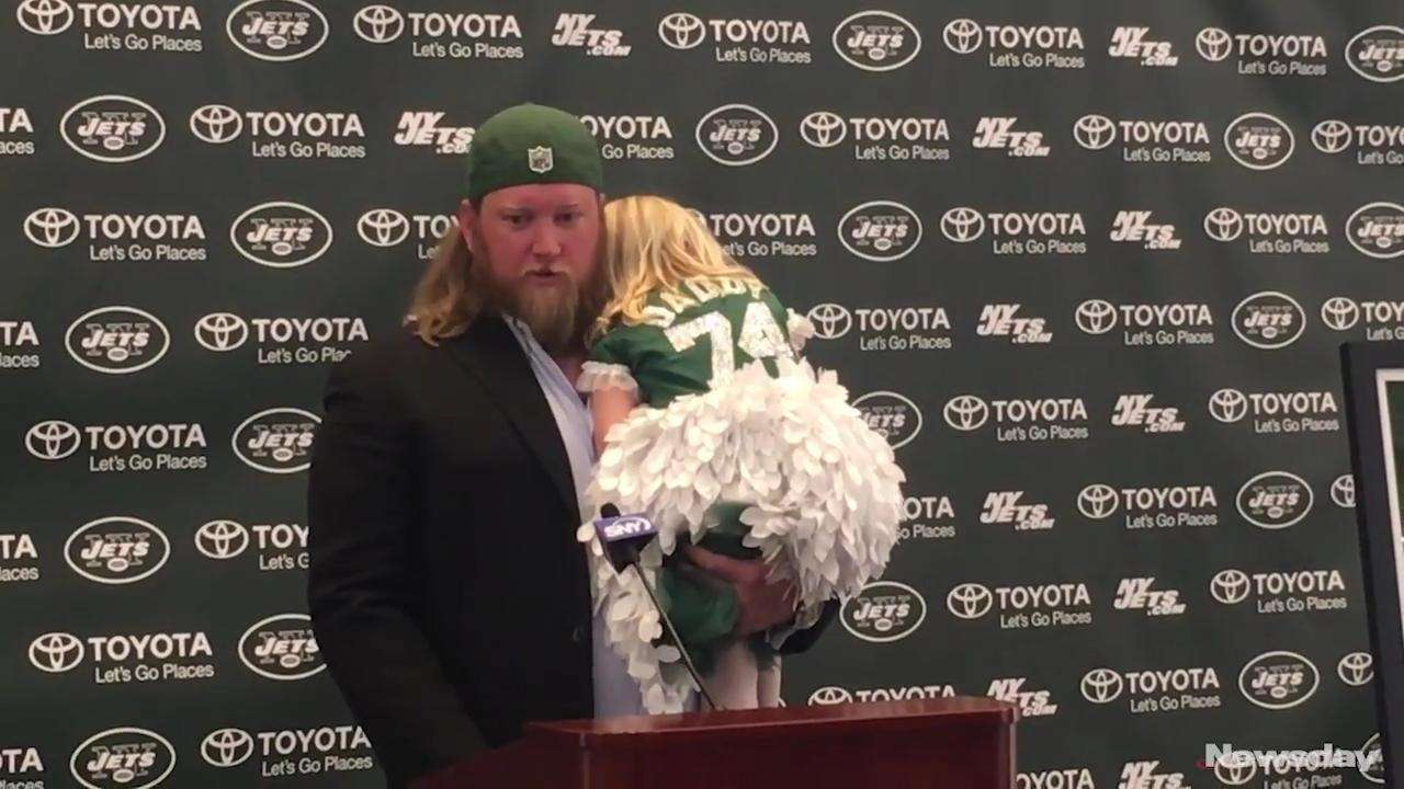 Former Jets center Nick Mangold signed a one-day
