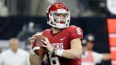 Oklahoma quarterback Baker Mayfield drops back to pass