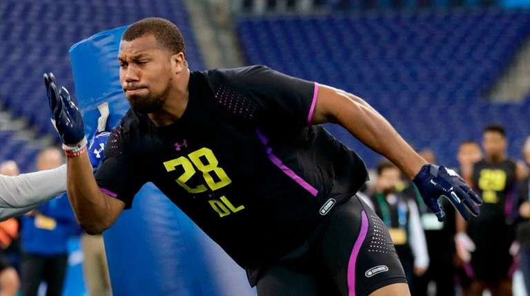 North Carolina State defensive lineman Bradley Chubb runs
