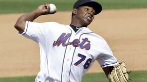 New York Mets relief pitcher Jennry Mejia throws