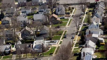 Only 3.4 percent of homes in Mineola saw