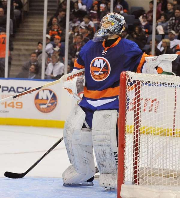 Injured Islanders goalie Rick DiPietro will shut it