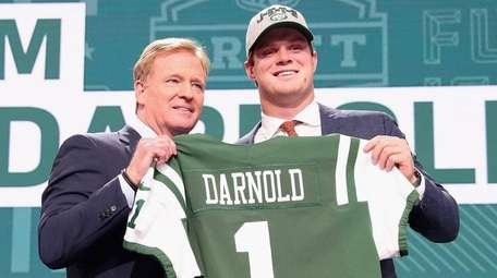 Sam Darnold of USC poses with NFL Commissioner