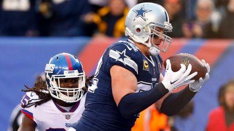 Jason Witten hauls in a fourth quarter touchdown