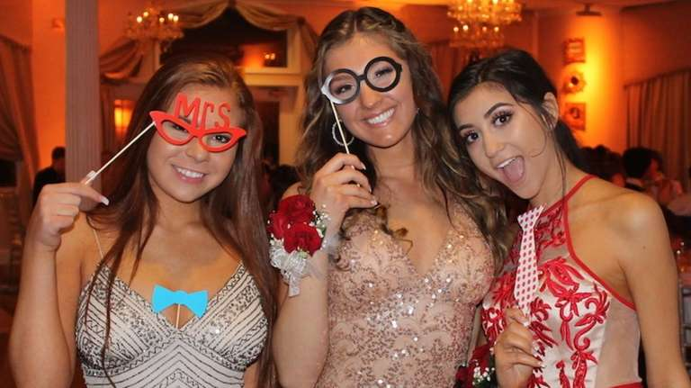 Miller Place High School held its junior prom