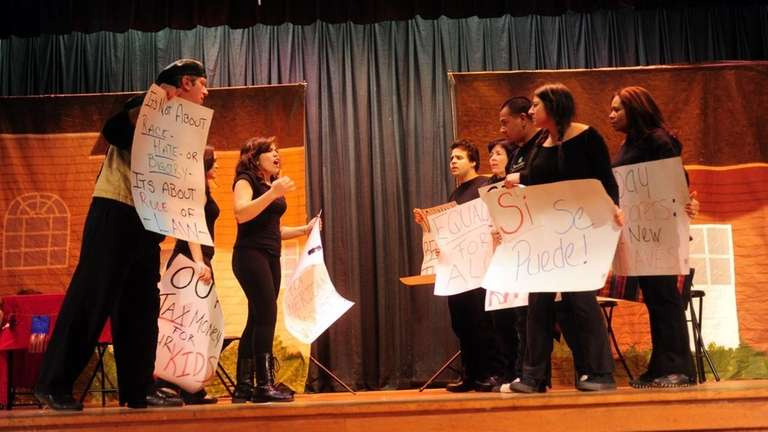 Actors with Teatro Experimental Yerbabruja perform in the