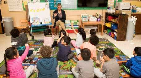 Heather Petretti's pre-K students sing a counting song