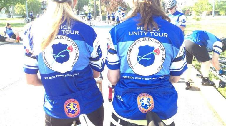 Chattanooga police embark on cycling tour for fallen officers