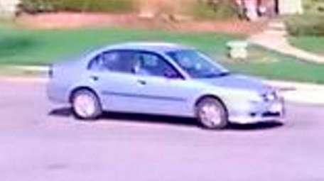 Nassau police are looking for the driver of