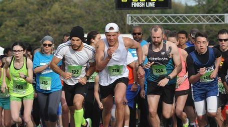Long Island Marathon weekend's inaugural 1-mile race gets
