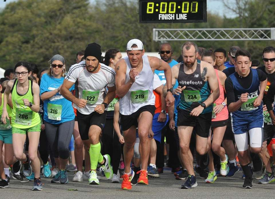 Long Island Marathon Weekend's inaugural 1-mile race gets
