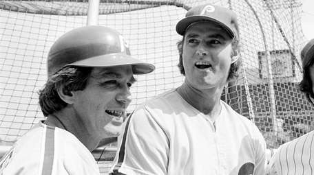 Phillies catcher Tim McCarver, left, and pitcher Steve