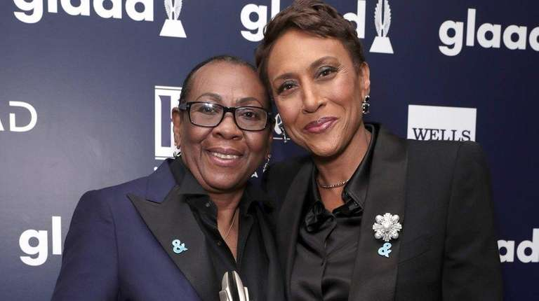 Gloria Carter with Robin Roberts at the GLAAD