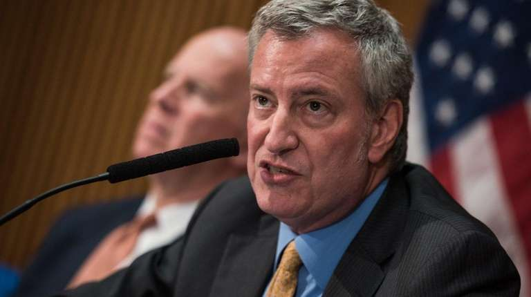 Mayor Bill de Blasio discusses crime statistics at