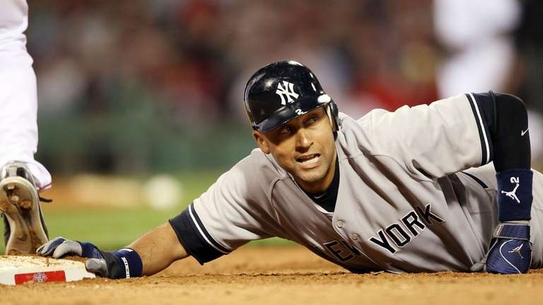 The Yankees' Derek Jeter is nearly picked off