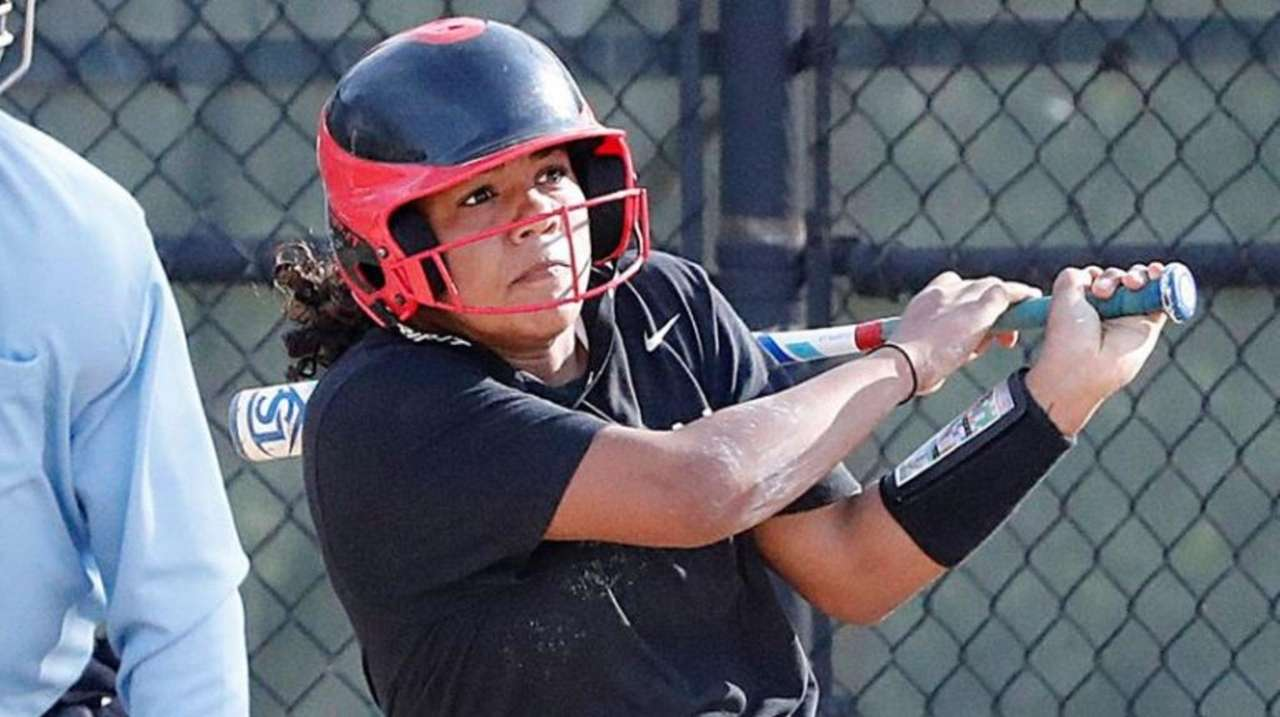 Mount Sinai used a seven-run sixth inning to