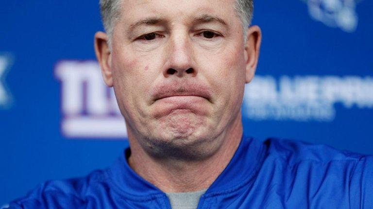 Giants head coach Pat Shurmur speaks at a
