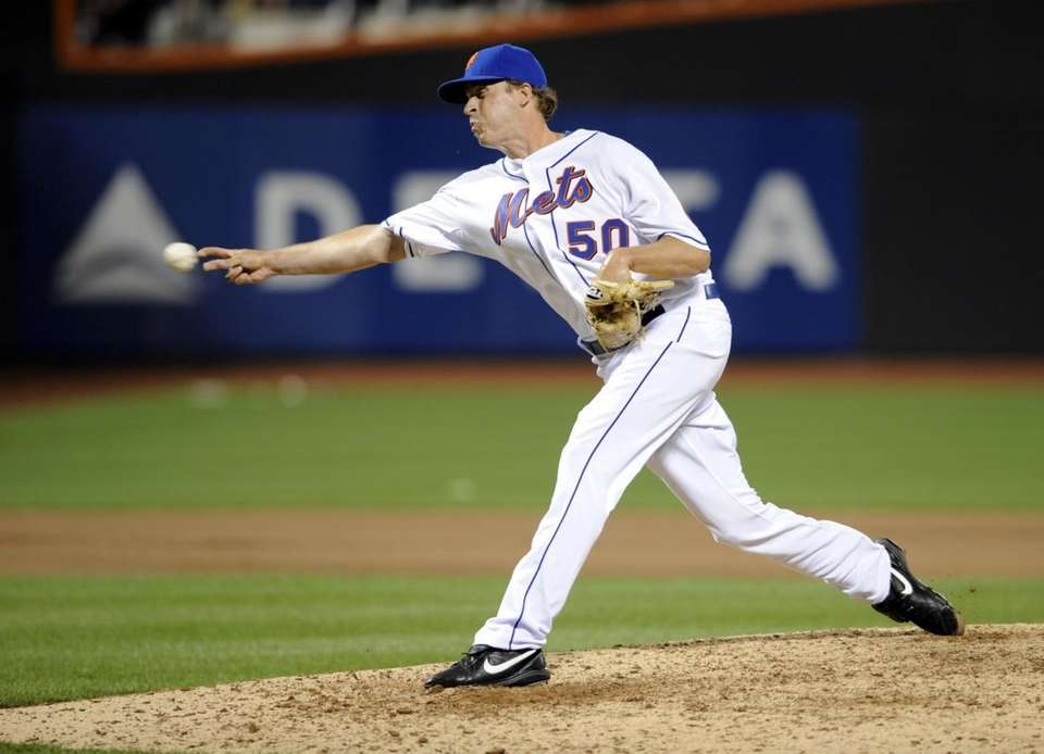 Sean Green pitching the 7th inning at Citi