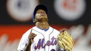 Jenrry Mejia of the New York Mets seeks