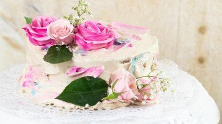 A replica of the royal wedding cake