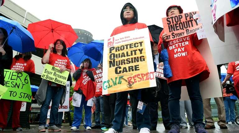 Nurses rally outside Stony Brook University Hospital where