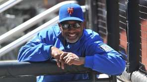 New York Mets manager Jerry Manuel smiles before