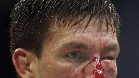 Demian Maia lost a unanimous decision middleweight champion