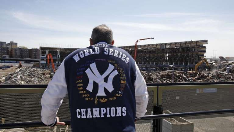 Yankees fan Bruce Dain of the Bronx, N.Y.