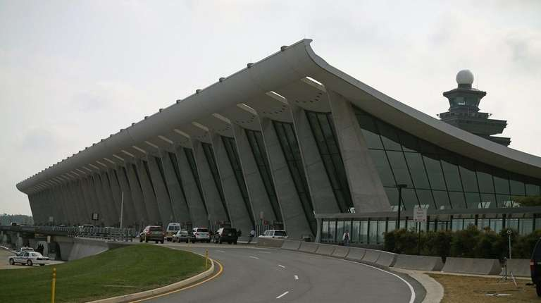Yankees hold unscheduled sleepover party at Dulles Airport ...