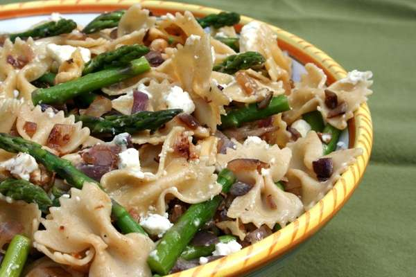 Farfalle with asparagus, caramelized onion, bleu cheese and