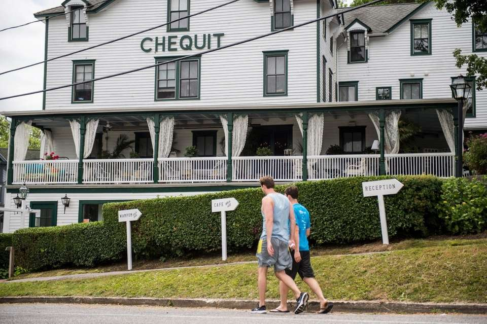 Front exterior of The Chequit on Shelter Island,