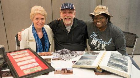 Edna Susman, left, project coordinator of the Veterans