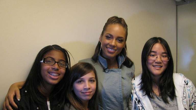 Singer Alicia Keys with Kidsday reporters Brianna Foreman,