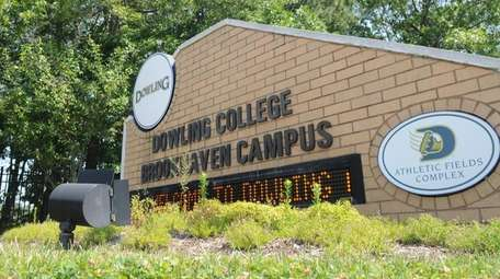 The entrance to Dowling College's Brookhaven campus on