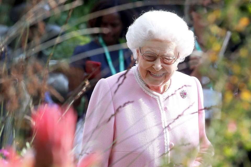 Queen Elizabeth II visits the Chelsea Flower Show