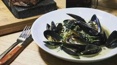 Green curry mussels at The Lava Grill in