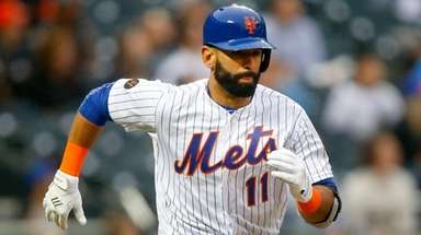 Jose Bautista of the Mets runs out a