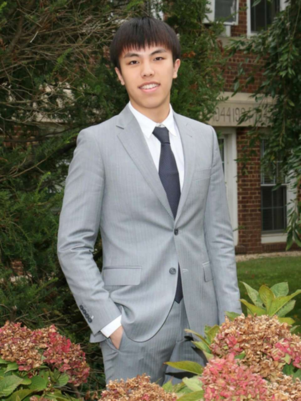 LAWRENCE WOODMERE ACADEMY, HAORAN (VINCENT) WEN Hometown: Shandong,