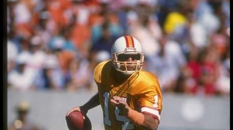 1987: VINNY TESTAVERDE, QB, Tampa Bay Buccaneers A