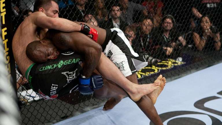 King Mo Lawal controlled Gegard Mousasi on the